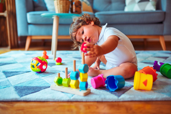 escoger los mejores juguetes para bebés